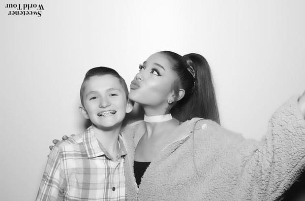 Không hủy show lẻ tẻ nữa, Ariana Grande hủy một lúc... 22 sự Meet & Greet hậu Sweetener Tour để bảo vệ giọng hát! - Ảnh 2.