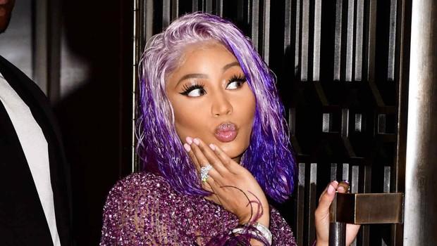 """Hay tin Nicki Minaj trở thành nữ rapper """"cá kiếm"""" nhất năm, Cardi B vội vã """"cà khịa"""" để đòi lại công bằng - Ảnh 5."""