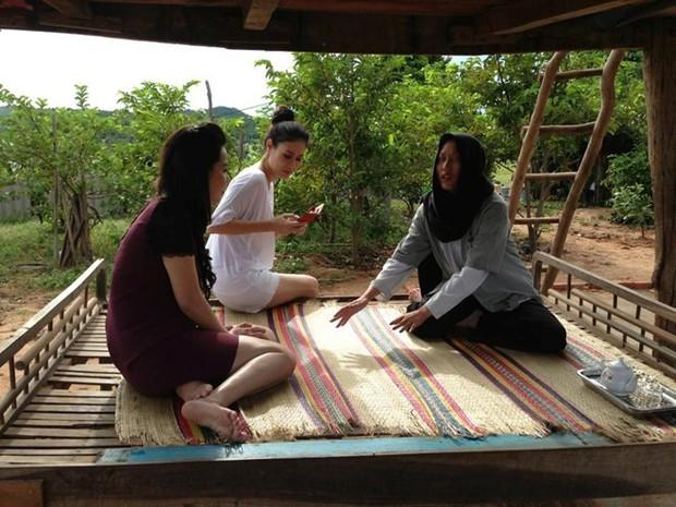 Muôn kiểu thầy bói trong phim Việt: Số 1 khiến Thái Hoa Hồng Trên Ngực Trái phải tin sái cổ - Ảnh 6.