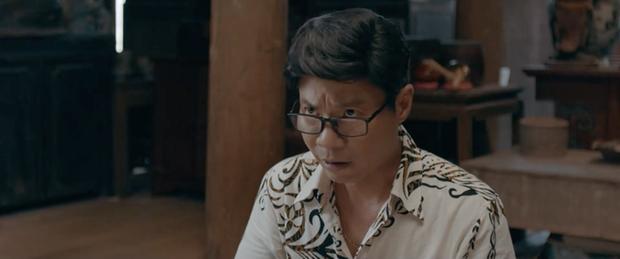 Muôn kiểu thầy bói trong phim Việt: Số 1 khiến Thái Hoa Hồng Trên Ngực Trái phải tin sái cổ - Ảnh 1.