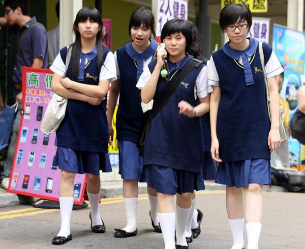 Đồng phục nữ sinh các nước: Hàn Nhật đẹp và trendy, Anh Mỹ lại chân phương không tưởng - Ảnh 6.
