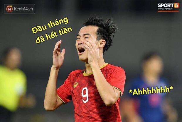 Loạt ảnh chế đội tuyển Việt Nam nở rộ sau trận gặp Thái Lan: Văn Toàn, Duy Mạnh cùng loạt biểu cảm không thể nào đắt giá hơn! - Ảnh 9.