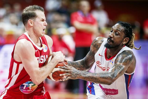 Kết quả ngày thi đấu 4/9 FIBA World Cup 2019: Trung Quốc gây thất vọng cùng cực, châu Á không còn đại diện nào tại vòng 2 - Ảnh 4.