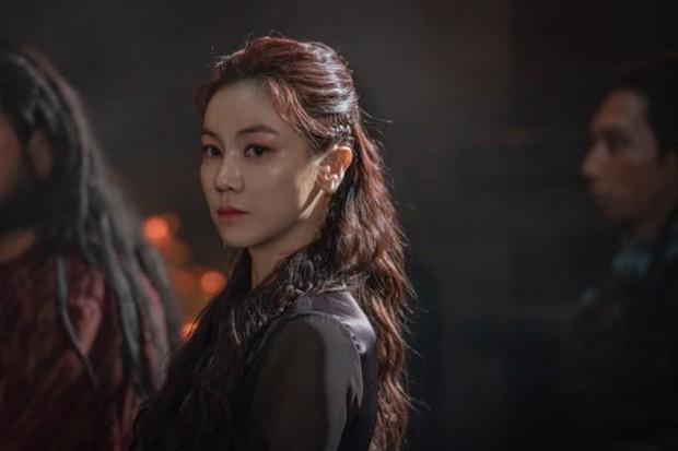 Sau khi bái bai Hotel Del Luna, Song Joong Ki cùng bom tấn 700 tỉ Arthdal có gì để đài tvN níu chân khán giả? - Ảnh 5.