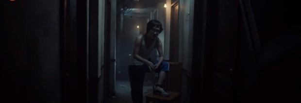 Review Strangers From Hell: Rợn người hơn cống ngầm IT, mê kinh dị ngại gì không đâm đầu vào xem? - Ảnh 8.