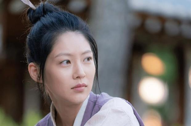 4 lý do phải xem lẹ Sạp Mai Mối Thời Joseon: Đội trai đẹp chống ế cho chị em đến tuổi cập kê dễ cưng chịu không nổi luôn á! - Ảnh 7.