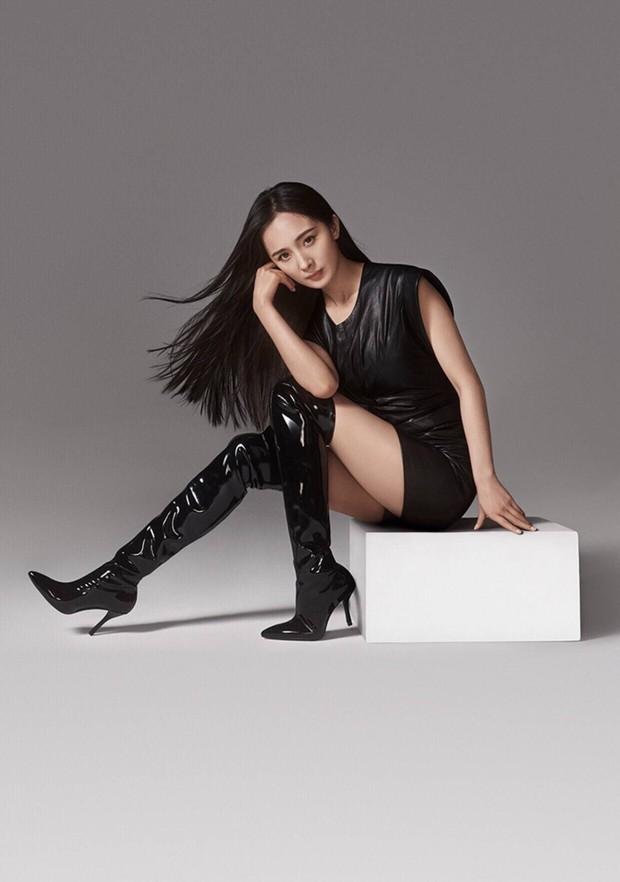 Tưởng không nổi ở trời Tây, Dương Mịch lại được hãng giày hiệu dành riêng một mục long trọng trên website quốc tế - Ảnh 2.