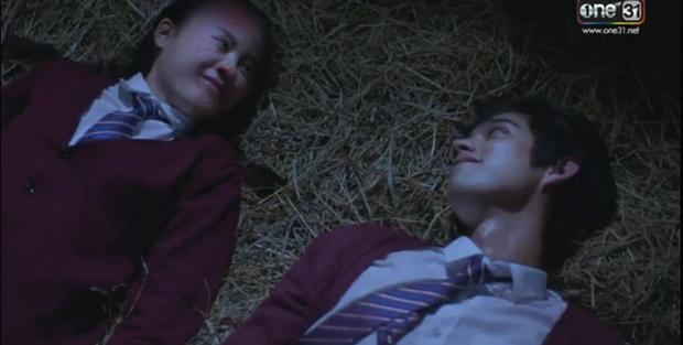 Yêu Chàng Cấp Cứu dập Mai Davika tơi tả ngay tập 1: Xém chết 3 lần lại còn mắc bệnh cuồng người yêu - Ảnh 5.