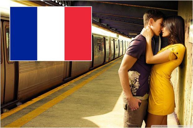 Cấm mặc áo màu vàng ở Malaysia, hạn chế mang giày cao gót ở Hy Lạp và một loạt những quy định khó hiểu dành cho khách du lịch quốc tế - Ảnh 6.