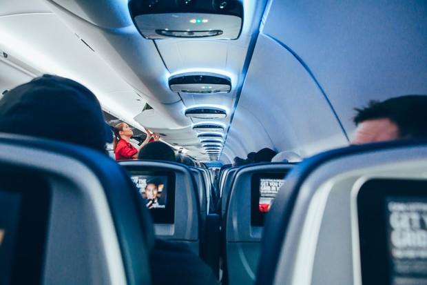 """Cần gì có nấy: 7 cách chọn chỗ ngồi lý tưởng trên máy bay cho đủ mọi nhu cầu, dù """"khó ở"""" đến đâu bạn cũng sẽ được thoả mãn! - Ảnh 2."""