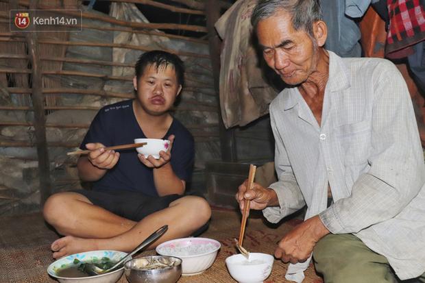 Câu chuyện cảm động về chàng trai mắc bệnh Down, dành 10 năm để học lớp 1 với khát khao được trở thành thầy giáo - Ảnh 4.