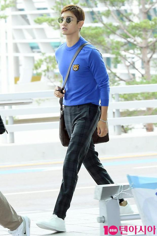Dàn idol hạng A đổ bộ sân bay: Yuri (SNSD) xinh xuất thần hậu giảm cân, Kang Daniel và bộ đôi DBSK ai bảnh hơn? - Ảnh 13.