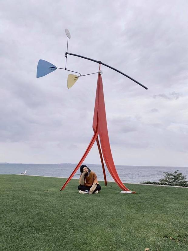 Đi 3 nước trong cùng 1 kỳ nghỉ, lại toàn ghé những địa điểm mang tính nghệ thuật, RM (BTS) sắp sửa thành travel blogger mới của Kbiz rồi! - Ảnh 22.