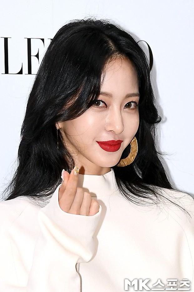 Sự kiện sang chảnh gây bão: Mỹ nhân Han Ye Seul đỉnh đến mức át cả Park Min Young, Hoa hậu ngực khủng kín lạ - Ảnh 8.