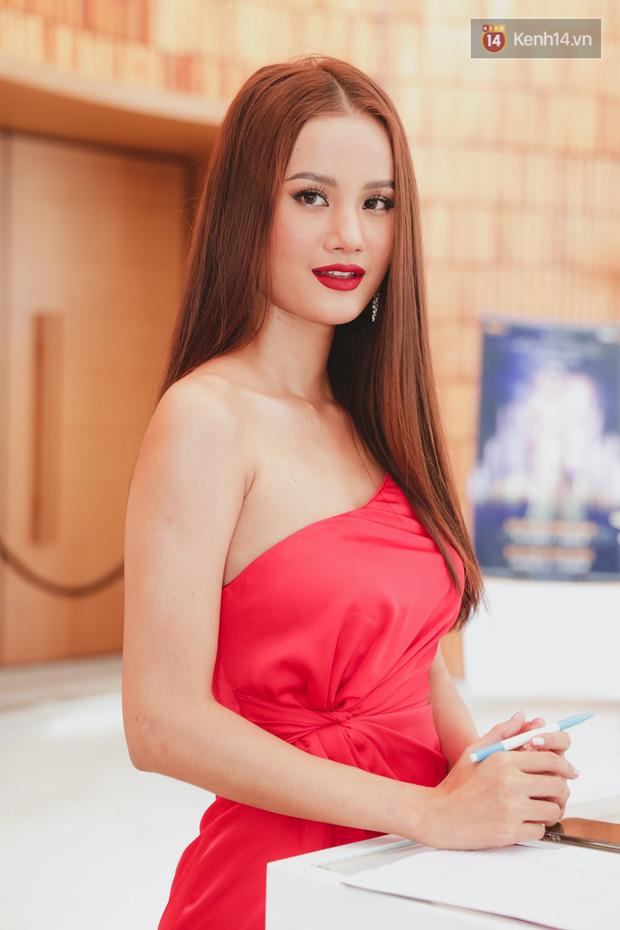 Sơ khảo Hoa hậu Hoàn vũ: Giám khảo Thanh Hằng thần thái chặt chém, Thúy Vân chưa thi đã chiếm spotlight giữa dàn mỹ nhân - Ảnh 12.