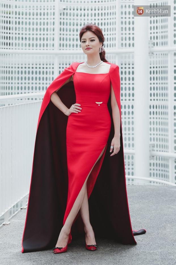 Sơ khảo Hoa hậu Hoàn vũ: Giám khảo Thanh Hằng thần thái chặt chém, Thúy Vân chưa thi đã chiếm spotlight giữa dàn mỹ nhân - Ảnh 4.