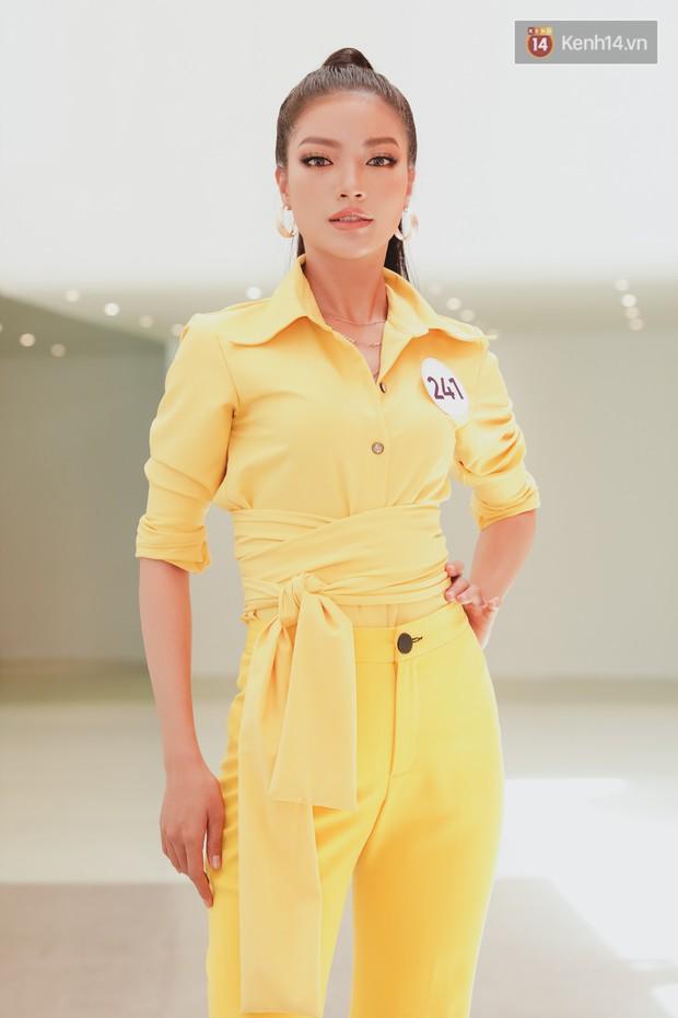 Sơ khảo Hoa hậu Hoàn vũ: Giám khảo Thanh Hằng thần thái chặt chém, Thúy Vân chưa thi đã chiếm spotlight giữa dàn mỹ nhân - Ảnh 11.