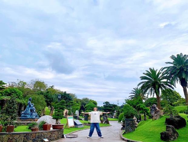 Đi 3 nước trong cùng 1 kỳ nghỉ, lại toàn ghé những địa điểm mang tính nghệ thuật, RM (BTS) sắp sửa thành travel blogger mới của Kbiz rồi! - Ảnh 5.