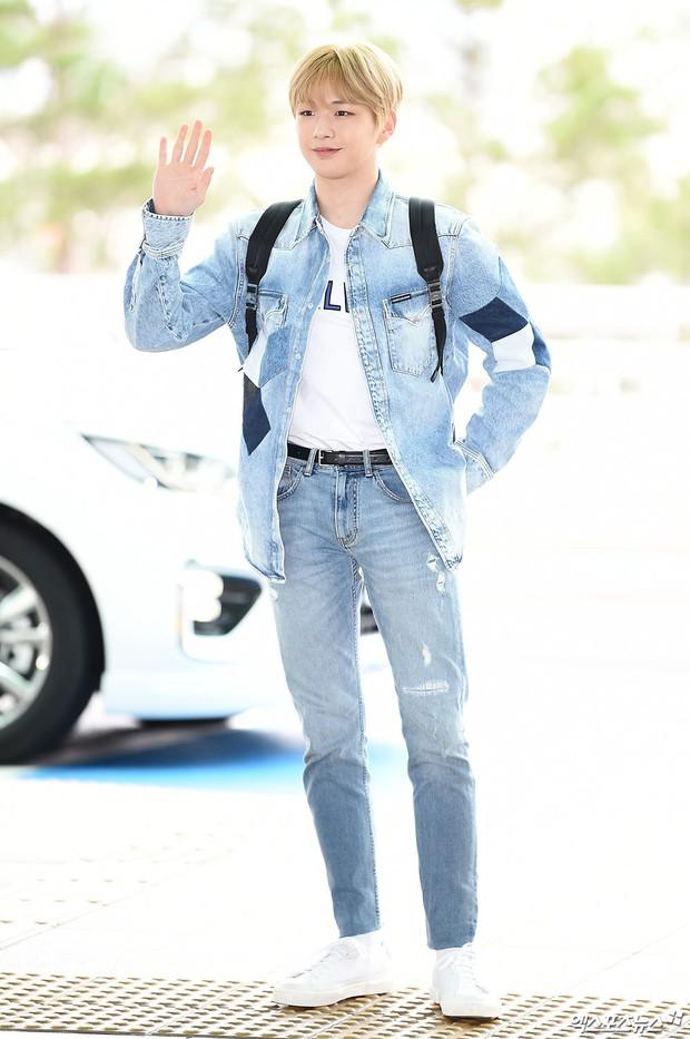 Dàn idol hạng A đổ bộ sân bay: Yuri (SNSD) xinh xuất thần hậu giảm cân, Kang Daniel và bộ đôi DBSK ai bảnh hơn? - Ảnh 8.