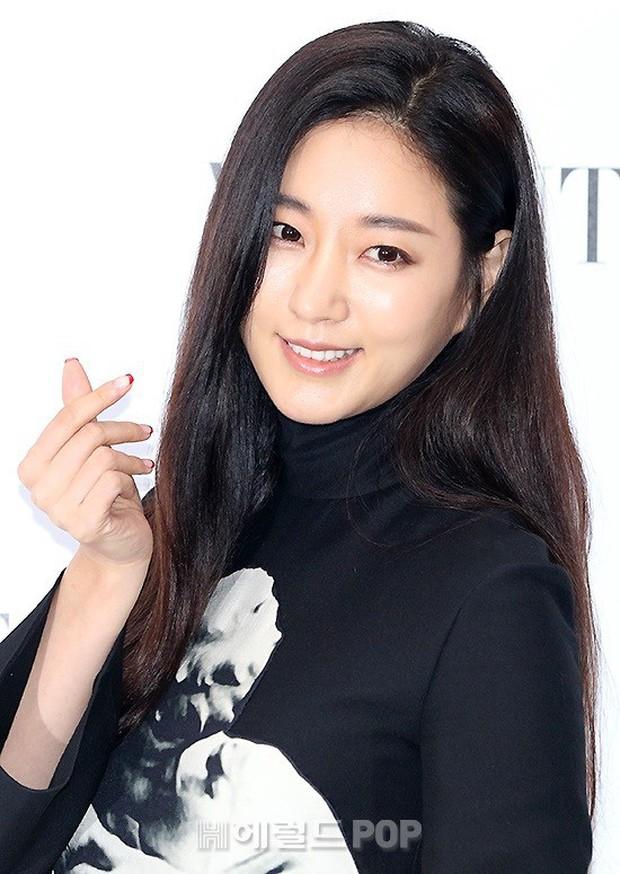 Sự kiện sang chảnh gây bão: Mỹ nhân Han Ye Seul đỉnh đến mức át cả Park Min Young, Hoa hậu ngực khủng kín lạ - Ảnh 11.