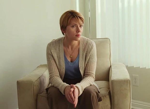 Đang yên lành, Goá phụ đen Scarlett Johansson lên tiếng bênh vực đạo diễn ấu dâm chi cho hốt gạch vậy? - Ảnh 1.
