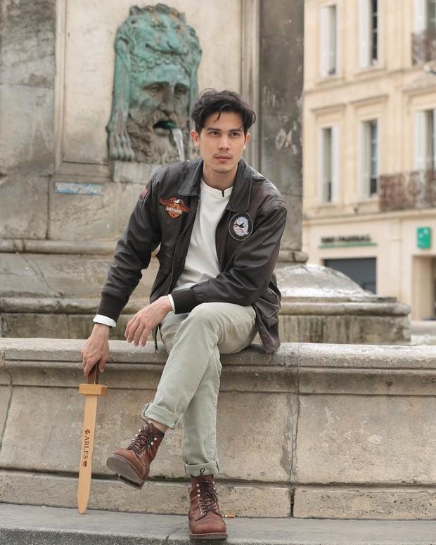 Nam chính Yêu Chàng Cấp Cứu Sunny Suwanmethanon: Ông chú độc thân điển trai chuyên bao bom tấn phòng vé - Ảnh 11.