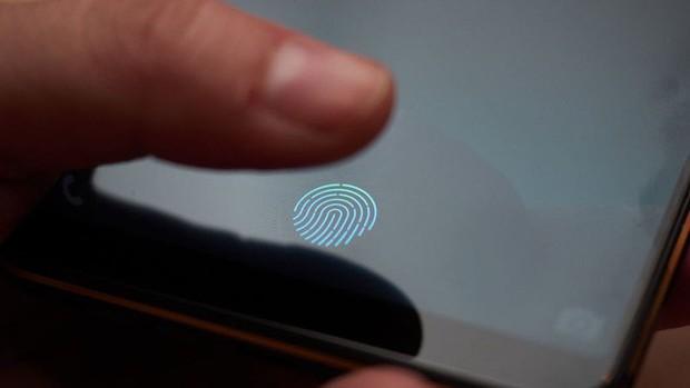 Vì sao rất khó để Apple có thể đưa cảm biến vân tay Touch ID trở lại iPhone? - Ảnh 1.