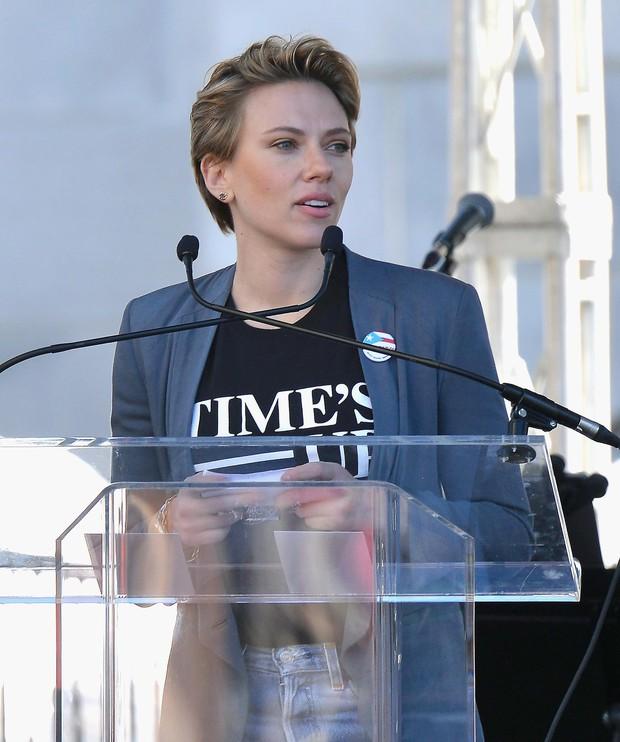 Đang yên lành, Goá phụ đen Scarlett Johansson lên tiếng bênh vực đạo diễn ấu dâm chi cho hốt gạch vậy? - Ảnh 6.