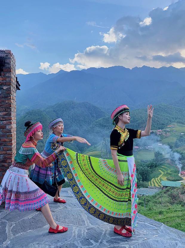 """""""Chân lý ngàn năm"""" khi du lịch: Đi đâu thì đi, nhưng nhất định phải đi cùng hội bạn chụp ảnh có tâm như Chi Pu - Quỳnh Anh Shyn - Sun HT - Ảnh 5."""