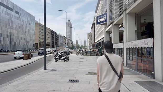 Đi 3 nước trong cùng 1 kỳ nghỉ, lại toàn ghé những địa điểm mang tính nghệ thuật, RM (BTS) sắp sửa thành travel blogger mới của Kbiz rồi! - Ảnh 8.