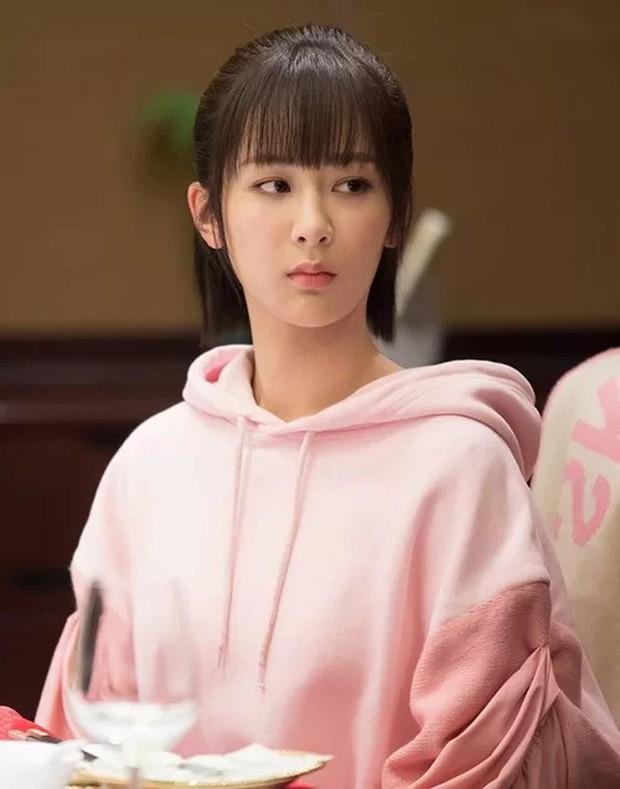 5 nhà mốt trên màn ảnh Trung: Triệu Lệ Dĩnh có siêu năng lực biến hàng hiệu thành đồ chợ, Na Trát thở thôi cũng thấy đẹp - Ảnh 16.