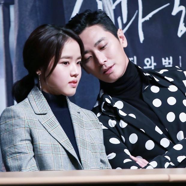 """Các cặp sao Hàn hot được fan đẩy thuyền tích cực nhất: Jennie - Mino có twist"""" cực mạnh, có cặp chênh hẳn 18 tuổi - Ảnh 18."""