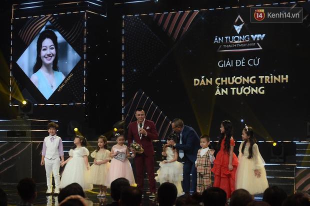 Toàn cảnh lễ trao giải VTV Awards 2019: Thu Quỳnh đụng mặt người thứ ba tin đồn, Về Nhà Đi Con thắng lớn! - Ảnh 16.