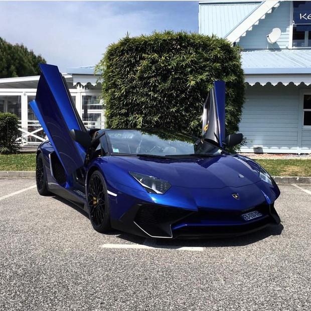 Chưa phải giàu nhất BTS, anh cả Jin lại gây choáng vì tậu Lamborghini 12 tỉ bổ sung vào BST siêu xe thể thao - Ảnh 3.