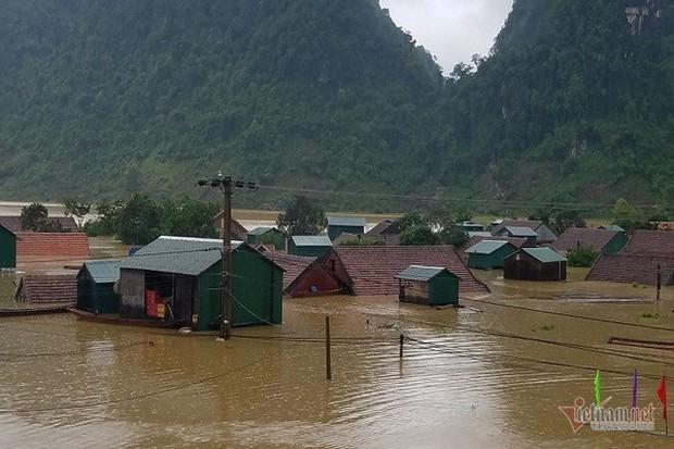 Nhờ sáng tạo này, dân Quảng Bình không phải lên núi trú ẩn khi lũ ập - Ảnh 1.