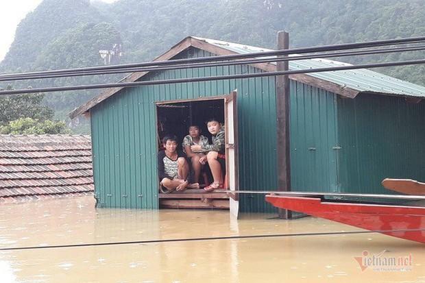 Nhờ sáng tạo này, dân Quảng Bình không phải lên núi trú ẩn khi lũ ập - Ảnh 2.
