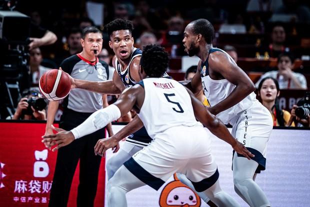 Nghiền nát Giannis Antetokounmpo, Mỹ hiên ngang tiến vào vòng loại trực tiếp FIBA World Cup 2019 - Ảnh 2.
