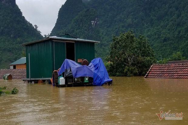 Nhờ sáng tạo này, dân Quảng Bình không phải lên núi trú ẩn khi lũ ập - Ảnh 3.