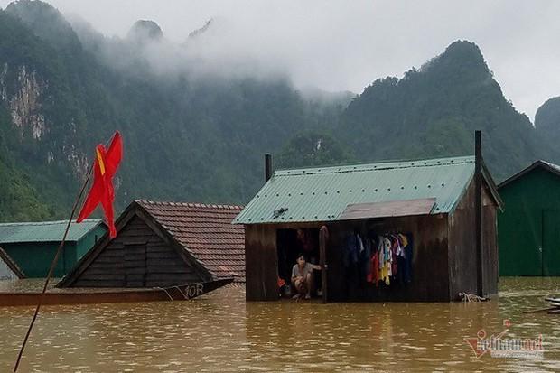 Nhờ sáng tạo này, dân Quảng Bình không phải lên núi trú ẩn khi lũ ập - Ảnh 4.