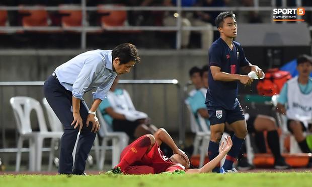 Dù bị fan Việt Nam ghét, Messi Thái Lan vẫn có hành động cực đẹp với Bùi Tiến Dũng sau tai nạn hy hữu - Ảnh 4.