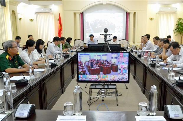 Từ thư ngỏ của Thủ tướng Chính phủ đến sự biến mất của chai nhựa trong các cuộc họp tại cơ quan, chính quyền địa phương - Ảnh 2.