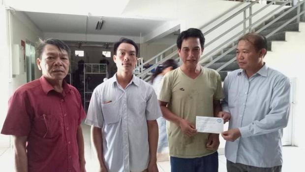 Nối thành công bàn tay bé trai 10 tuổi ở Bắc Giang bị bác họ chém đứt lìa - Ảnh 1.