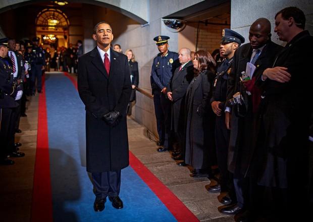 Những bức ảnh đời thường của vợ chồng Obama ngày xưa: Đôi giày rách gắn bó một thời với cựu Tổng thống Mỹ hóa ra có ý nghĩa đặc biệt - Ảnh 10.