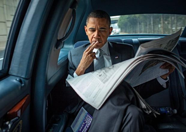 Những bức ảnh đời thường của vợ chồng Obama ngày xưa: Đôi giày rách gắn bó một thời với cựu Tổng thống Mỹ hóa ra có ý nghĩa đặc biệt - Ảnh 11.