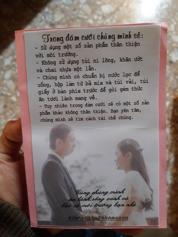 Đám cưới #livegreen dễ thương hết sức ở Lâm Đồng: Cô dâu chú rể nói không với túi nilon và chai nhựa, chuẩn bị sẵn túi vải cho khách - Ảnh 1.