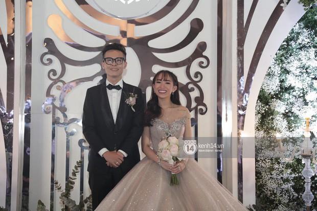 Mina Phạm - vợ 2 đại gia Minh Nhựa đăng clip đập hộp túi hiệu tiền tỷ khi con chồng đang tổ chức đám cưới - Ảnh 1.