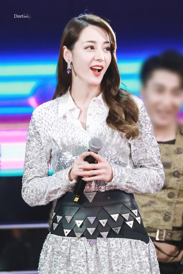 Chuyện lạ Hoa Ngữ: Địch Lệ Nhiệt Ba thắng giải diễn viên mới ở Kim Phượng Hoàng 2019? - Ảnh 8.