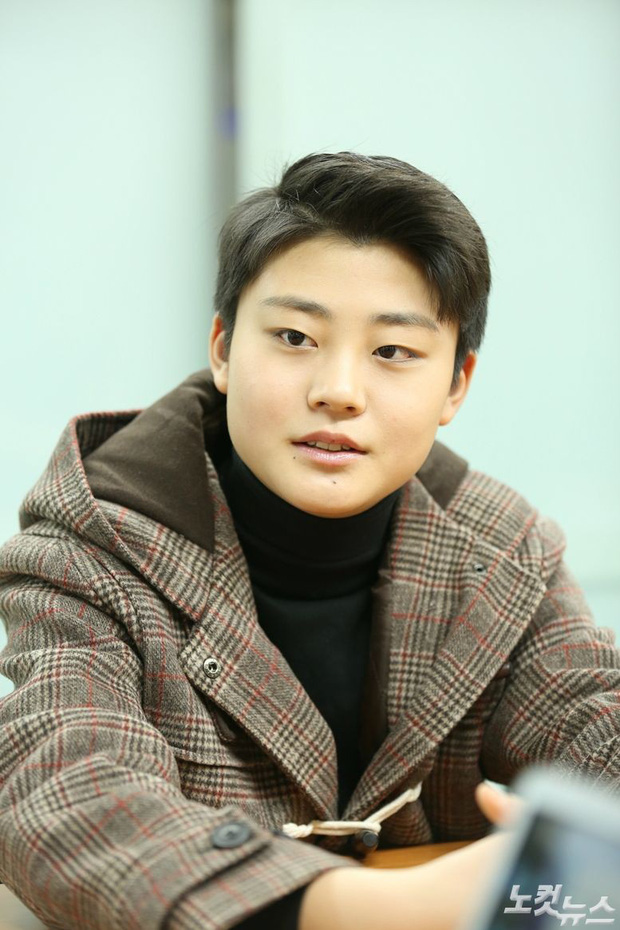 Netizen sốc nặng vì diện mạo diễn viên nhí Sky castle sau 2 tháng: Muốn lột xác hãy thành idol! - Ảnh 1.