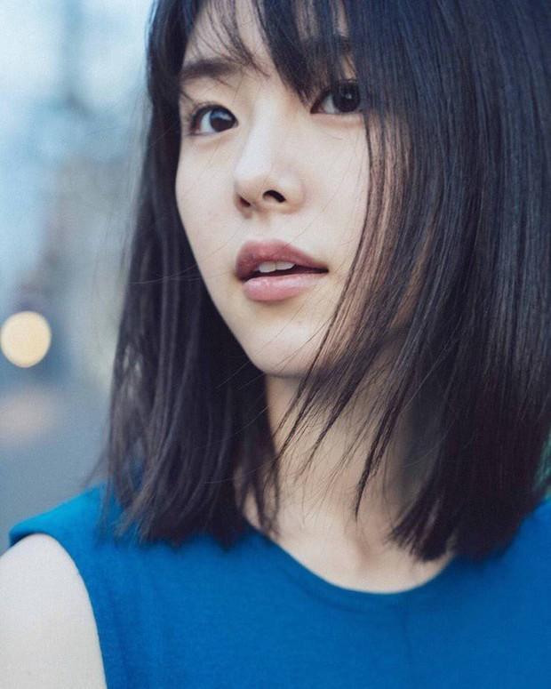 Mỹ nhân bí ẩn át cả Song Joong Ki leo thẳng lên top 1 tìm kiếm: Được phát hiện khi đang làm ruộng, xinh cực phẩm! - Ảnh 17.