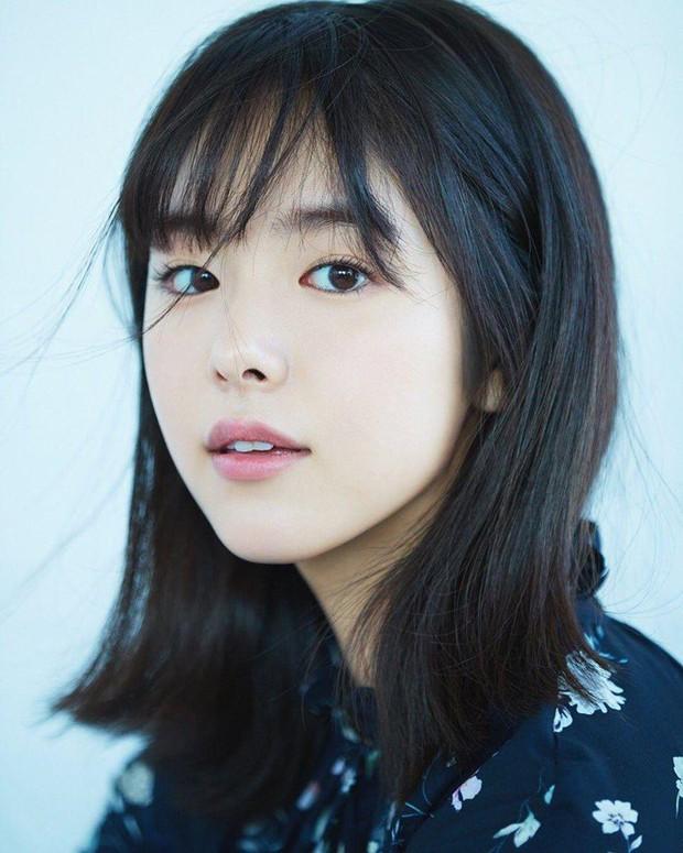Mỹ nhân bí ẩn át cả Song Joong Ki leo thẳng lên top 1 tìm kiếm: Được phát hiện khi đang làm ruộng, xinh cực phẩm! - Ảnh 7.